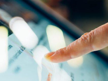 Descubra como transformar um ecrã normal num touch screen