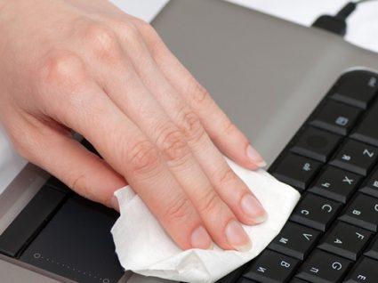 Como limpar o teclado do PC