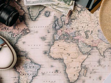 Já pensou em viajar para um destino surpresa? Está é a nova tendência de viagens