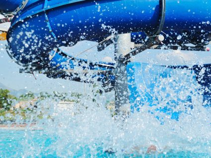 5 parques aquáticos no Algarve para aproveitar este verão