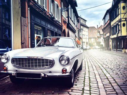 Sabe quais são as diferenças entre um carro antigo, pré-clássico e clássico?