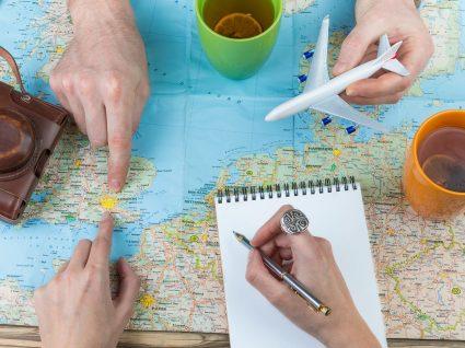 10 cidades para onde (ainda) pode voar barato este verão