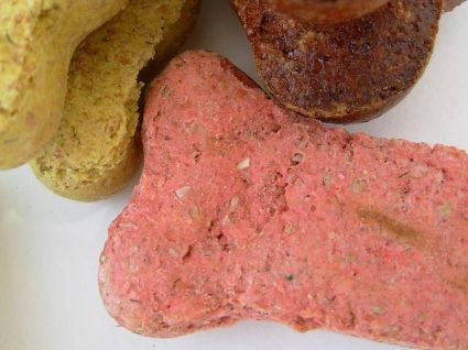 Como fazer biscoitos para cão na Bimby: 5 receitas rápidas