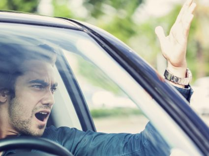 Evitar brigas no trânsito: tranquilidade e segurança na estrada