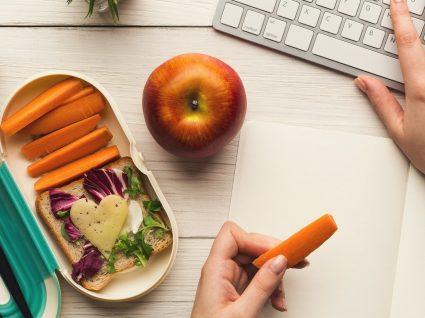 5 receitas de lanches saudáveis para levar para o trabalho ou para qualquer lado