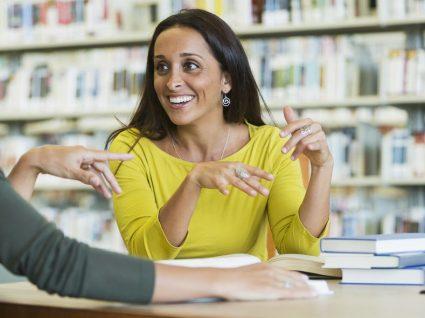 Quer ajudar o seu filho na escola? Fale com os professores