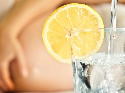 3 receitas de água aromatizada para grávidas
