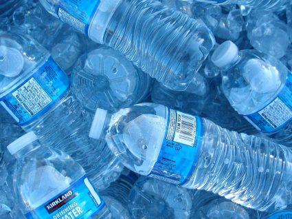 Este truque vai manter a sua garrafa de água sempre fresca