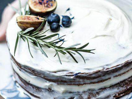 3 receitas de bolos fáceis e económicos (e muito rápidos)