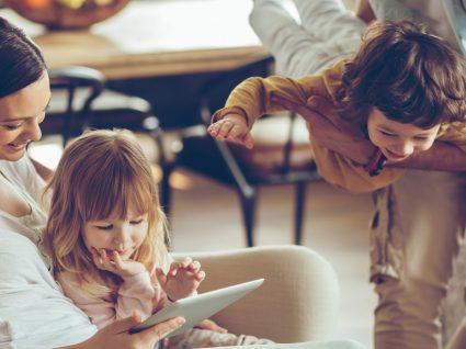 Vários jogos para aprender inglês em família ou na escola