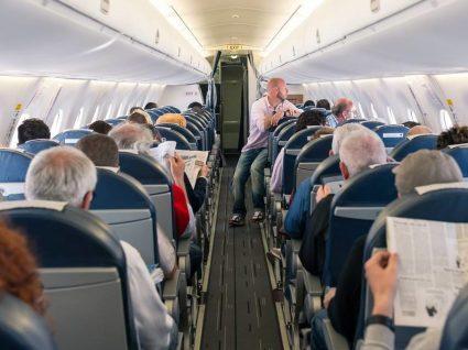 6 produtos indispensáveis para dormir no avião