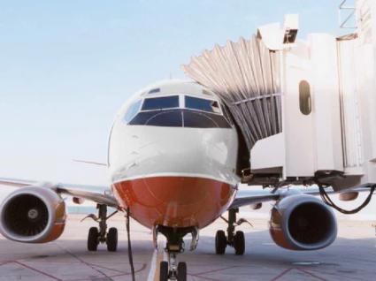 Por que razão embarcamos sempre pelo lado esquerdo do avião?