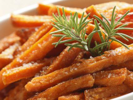 Receitas de batata-doce assada: 5 alternativas deliciosas