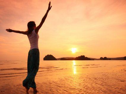 7 destinos com praias de areia vermelha