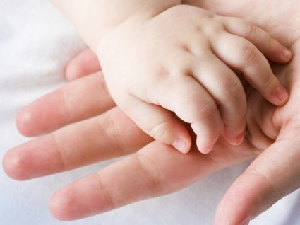 Guia essencial do bebé: tudo o que precisa para o 9º mês