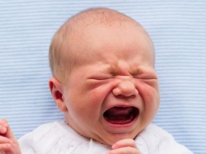 O bebé não faz cocó? Saiba o que deve fazer