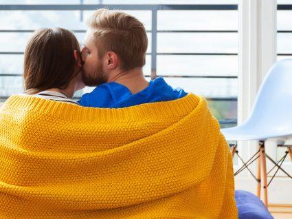 Beijar quando está constipado? Claro que sim!