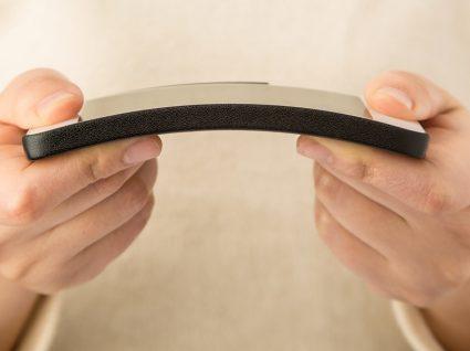 Os smartphones de ecrã flexível estão a chegar. Está preparado?