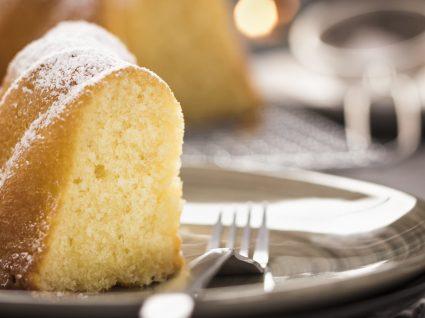 Receita de bolo de água simples e delicioso