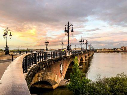 Ponte famosa de Bordéus