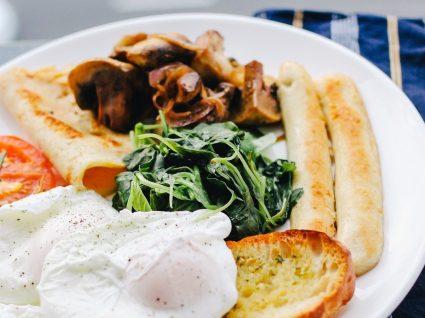 Pequeno almoço à inglesa: para manhãs de hotel em casa