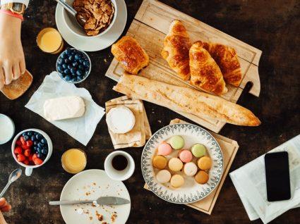 Aprenda a preparar um pequeno almoço funcional e cheio de energia