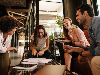 4 brincadeiras para fazer com colegas de trabalho