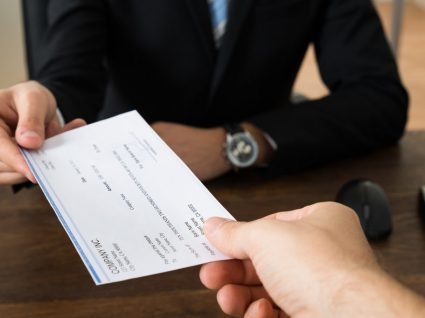Prestações compensatórias dos subsídios de férias, Natal e outros