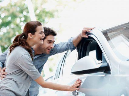 Vale a pena comprar um carro zero km?