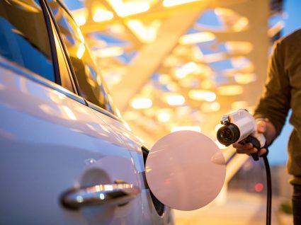 Carros elétricos: rede de abastecimento rápido vai de Cascais ao Porto