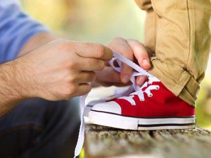 Saiba onde comprar calçado barato para criança