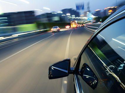 Descubra quanto poupa se conduzir mais devagar