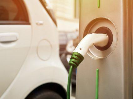 Descubra como funcionam os carros elétricos