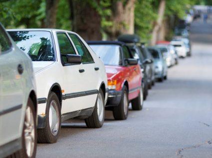 Estacionar o carro à sombra ajuda a poupar combustível