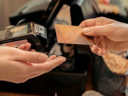 Cartão de crédito grátis: onde encontrar e como escolher