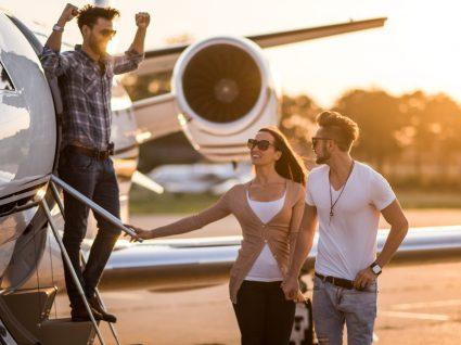Como viajar pela Europa num avião privado com 22 euros