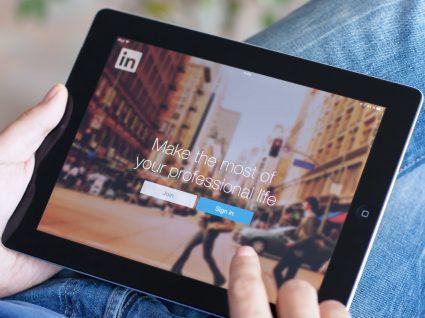 Ceev: uma ajuda para criar currículo através do LinkedIn