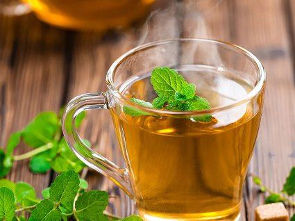 Chá de menta: cura (quase) tudo e emagrece