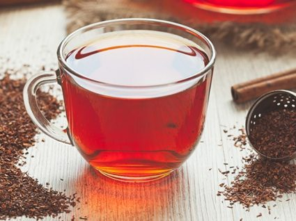 Chá de rooibos: principais benefícios para a saúde