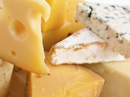 Comer queijo aumenta a longevidade? Novo estudo diz que sim