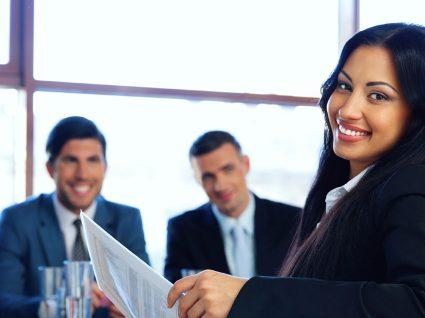 Comissão Europeia está a contratar gestores