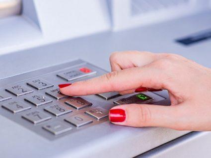 Como cancelar uma transferência bancária
