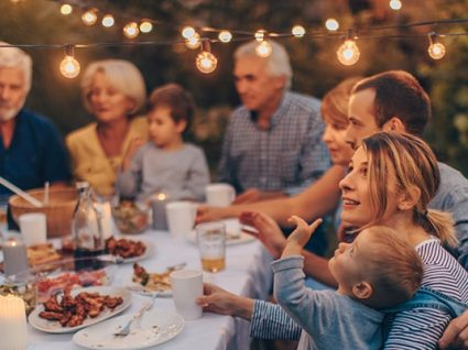 Como poupar nas festas em casa: 18 dicas para um dia inesquecível
