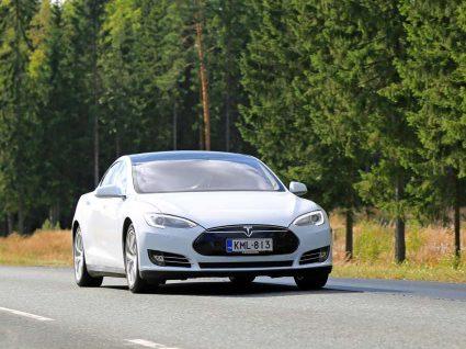 É possível comprar um Tesla em Portugal?