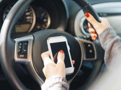 Conduzir com o telemóvel: o que é permitido?