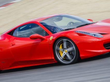 Conduzir um Ferrari: como e quanto custa?