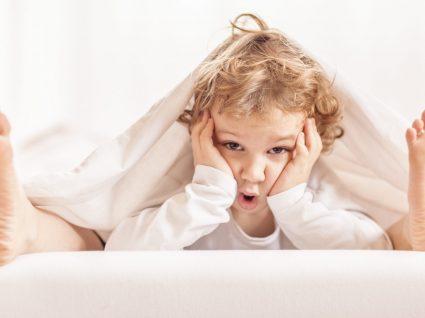 O que fazer quando as crianças acordam muito cedo