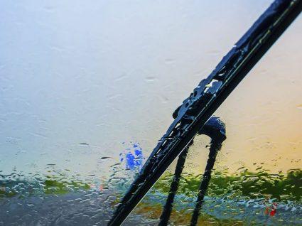 4 cuidados a ter com escovas limpa-vidros