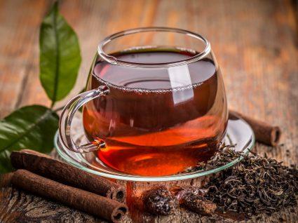 5 benefícios do chá preto