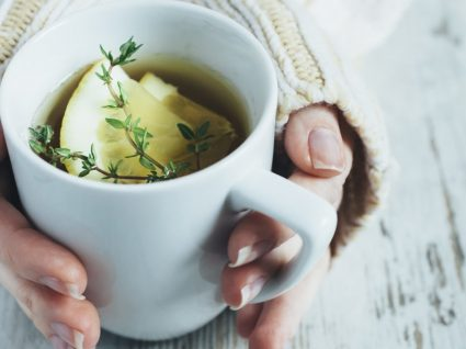 Os 4 melhores chás para flatulência
